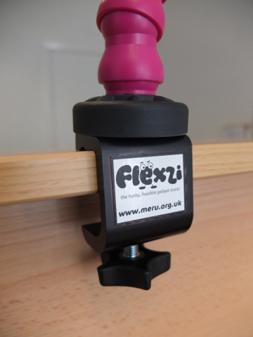 Flexzi 1 - Adjustable support system for various items