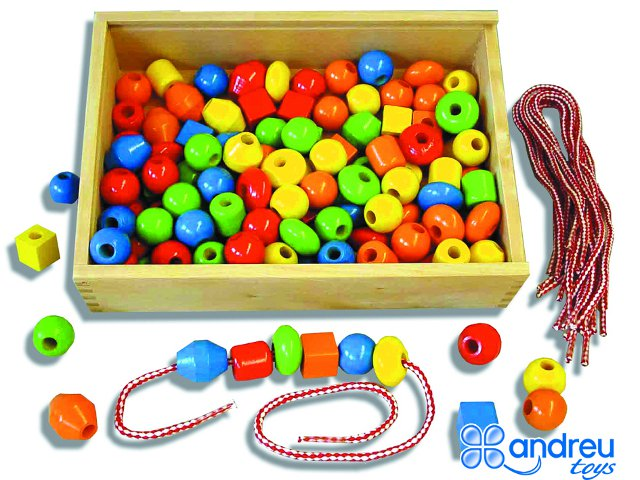 Threading Shapes - With 130 pcs., 10 cords. and 10 templates